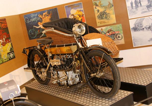 Sabies que una de les col·leccions de motos més grans de l´Estat és a Bassella?